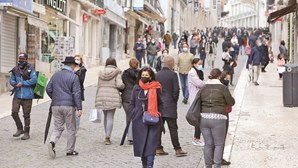 DGS tira Lisboa, Porto, Almada e Coimbra da lista de maior risco de contágio de Covid-19
