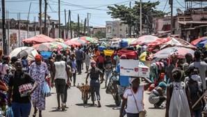 Governo angolano vai realojar as mais de 500 famílias afetadas por incêndio em Kaxicane