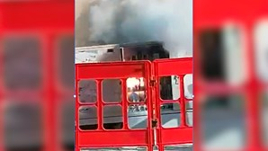 Curto-circuito em posto de transformação da EDP provoca explosão em Alvalade. Veja as imagens