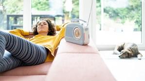 Governo aumenta quota de música portuguesa nas rádios para apoiar a Cultura. Valor não era atualizado desde 2009