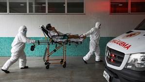 """""""Que Deus nos ajude"""": Médicos brasileiros lançam apelo desesperado a clínicos portugueses para combate à Covid-19"""