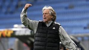 Treinador do Benfica, Jorge Jesus, com sintomas de Covid-19