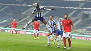 FC Porto e Benfica empatam no primeiro Clássico do ano e permanecem a quatro pontos do Sporting