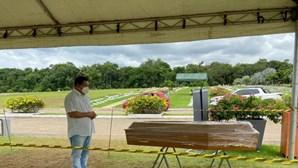 Advogado vê filha, dois irmãos e cunhada morrer com Covid-19 por falta de oxigênio nos hospitais do Brasil