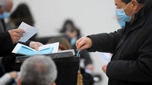 Confusão, filas e demoras: Multidão antecipa voto nas presidenciais