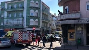 Pai e filho encontrados mortos na Amadora estavam infetados com Covid-19