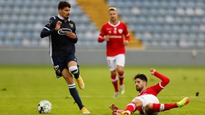 Famalicão vence Santa Clara nos Açores e salta para o 11.º lugar da Liga
