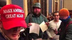 Revelado novo vídeo do ataque ao Capitólio dos EUA