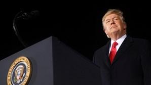 Trump concede mais de 140 perdões e comutações de pena a poucas horas de sair da Casa Branca
