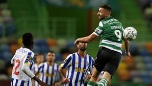 """FC Porto acusa Sporting de querer """"cometer crime público"""" com testes de jogadores à Covid-19 e faz queixa à Liga e DGS"""