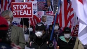 Apoiantes de Trump em Tóquio saem às ruas para contestar eleições presidenciais dos EUA