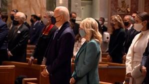 Joe Biden assiste a missa em Washington D.C a poucos horas da tomada de posse