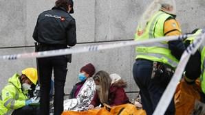 Fuga de gás faz explodir prédio em Madrid. Há pelo menos três mortos e oito feridos