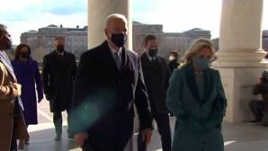 Joe Biden e Kamala Harris chegam ao Capitólio para a tomada de posse