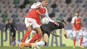 Jorge Jesus volta a falhar e Benfica vê Taça da Liga por um canudo