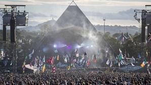 Festivais adiados para 2021 começam a ser cancelados. Glastonbury não se vai realizar