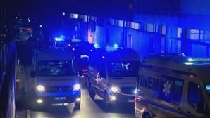 Ambulâncias voltaram a fazer filas com horas de espera à porta do hospital de Torres Vedras