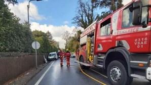 Violenta colisão frontal faz três feridos em Famalicão