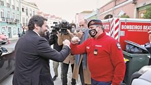 Bombeiros e escolas na mira de André Ventura