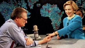 Larry King: O homem que não quis ser jornalista, entrevistou todos os famosos do mundo e casou oito vezes