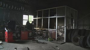 Assalto seguido de incêndio em armazém de pneus no Marco de Canaveses