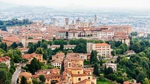 Região italiana de Lombardia confinada uma semana devido à Covid-19 por engano