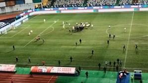 Ânimos exaltam-se em campo após vitória do Sporting na Taça da Liga. Veja as imagens