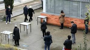 """Comissão Nacional de Eleições sem queixas, apenas alguns """"relatos"""" de filas grandes para votar nas presidenciais"""