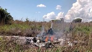 Queda de avião após descolagem no Brasil mata quatro futebolistas e presidente do Palmas