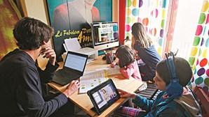 Ensino à distância 2.0 está melhor, mas longe de substituir presencial, defendem pais e diretores