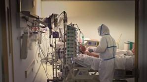 Há cada vez mais médicos a morrer vítimas de Covid-19