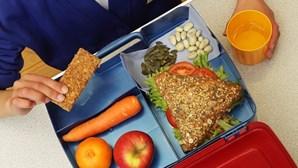 Seixal garante refeições a alunos de famílias carenciadas durante fecho de escolas