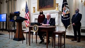 Biden volta a permitir militares transgénero nas Forças Armadas