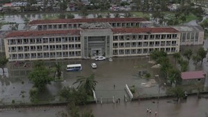 Imagens aéreas mostram estragos na cidade moçambicana da Beira após passagem de ciclone