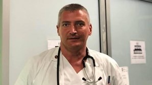Detido médico suspeito de matar doentes Covid-19 para libertar camas de hospital