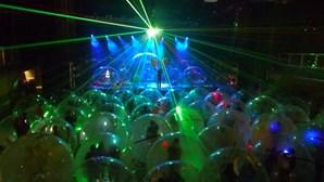 Concertos dentro de bolhas de plástico individuais. Será este o futuro?
