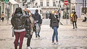 Médicos defendem revisão de máscaras contra a Covid-19