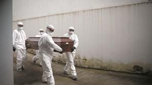 Os sete dias com mais mortes de sempre em Portugal foram na última semana. Um terço dos óbitos foi por Covid-19