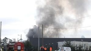 Incêndio em fábrica de resina em Cantanhede