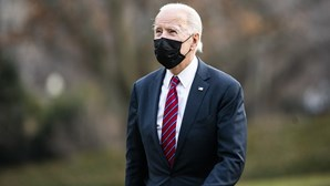 Biden avança com proposta para duplicar o salário mínimo nos Estados Unidos