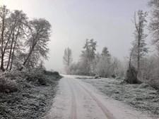 Chaves acorda coberta de neve