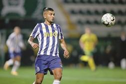 """Corona é elogiado por Sérgio Conceição, que fala do talento do internacional mexicano e do facto de não oscilar. """"É sempre muito bom"""", diz o técnico"""