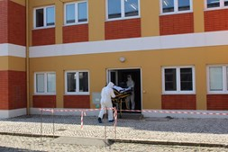 Marinha portuguesa acolhe quatro doentes infetados com Covid-19