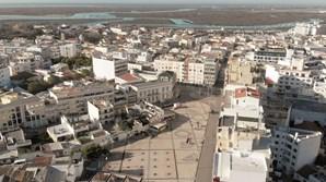 Faro. a praça da Liberdade, no centro da cidade algarvia, esteve deserta durante quase todo o dia de ontem