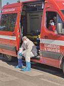 Fila de ambulâncias voltou ontem a formar-se no Santa Maria, Lisboa