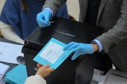 Portugueses exercem direito de voto para as eleições presidenciais