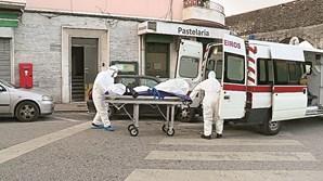 Equipa de bombeiros que procedeu à recolha dos cadáveres de João Tetani e do filho, João Francisco, atuou devidamente protegida