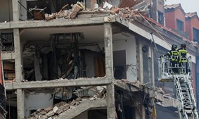 Fuga de gás faz explodir prédio em Madrid