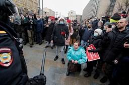 Centenas de detidos em protestos pela libertação de Alexei Navalny em Moscovo
