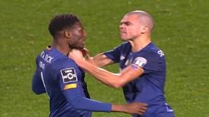 'Dois jogadores com opinião diferente': Conceição explica desentendimento entre Pepe e Loum